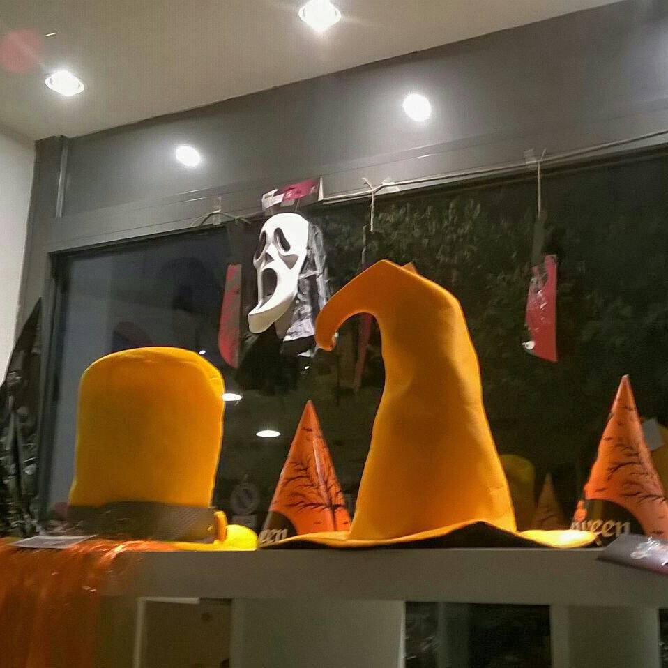 halloween vetrina