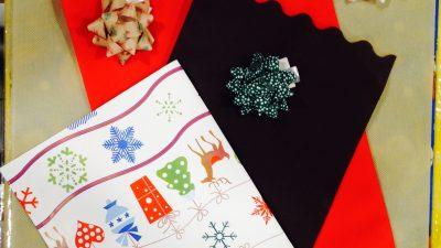 Sacchetti, coccarde e nastri natalizi