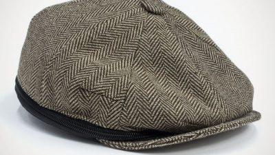 Beauty-case uomo a forma di cappello