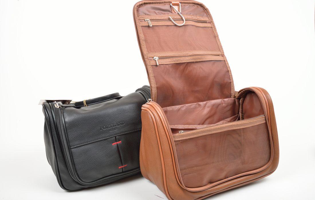 Beauty case uomo a forma di valigetta